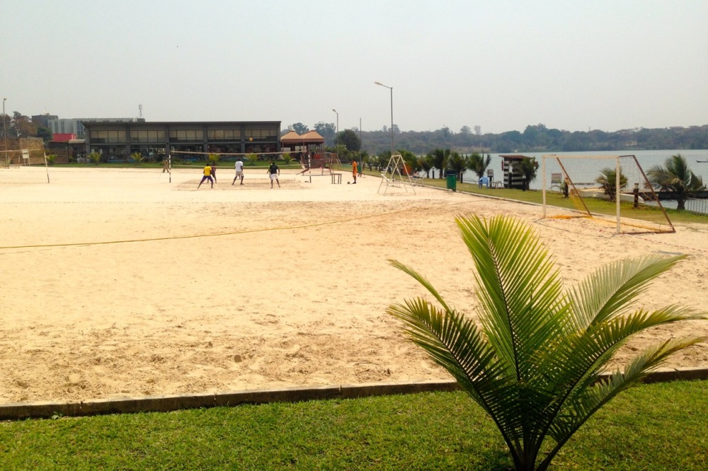 and this volleyball court by the lake, in between at least two fancy/expensive restaurants (my favorite goat joint is across the lake).