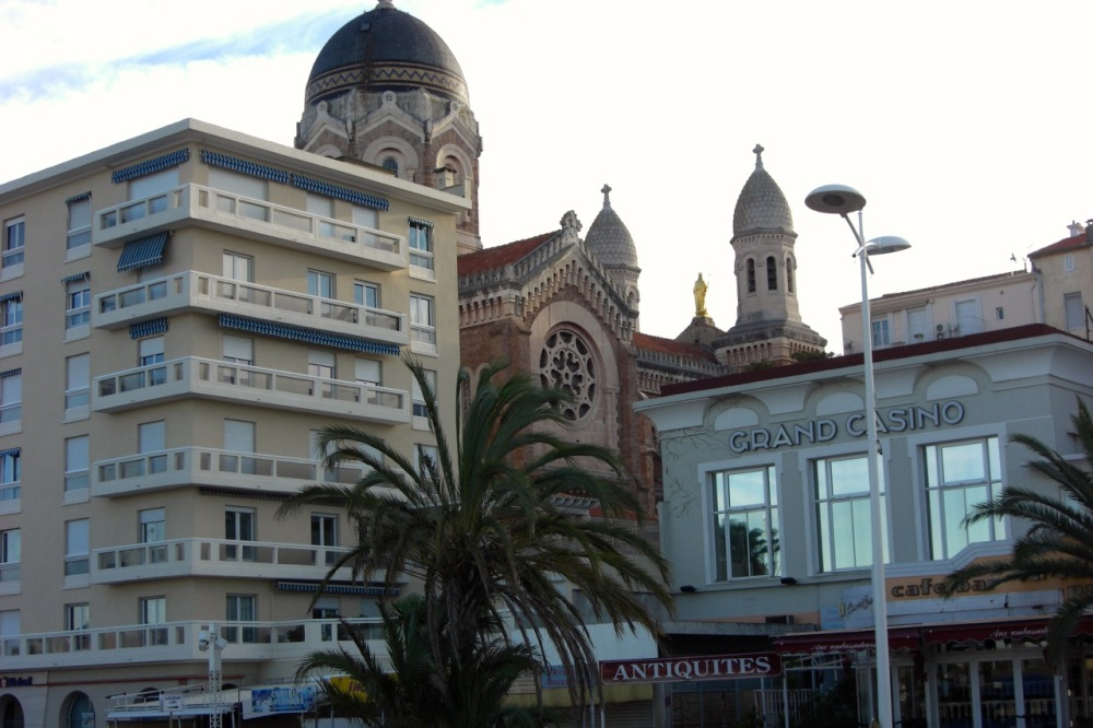 old vs new in Saint-Raphael