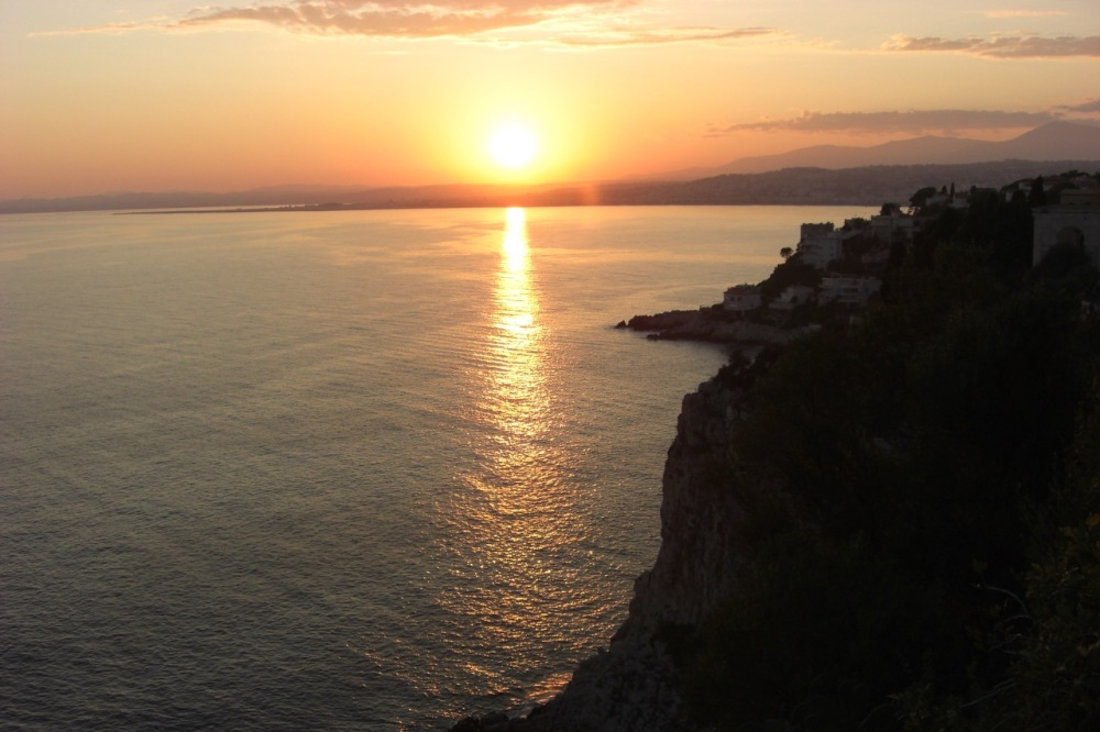 Sunset while walking from Villefranche to Nice one evening