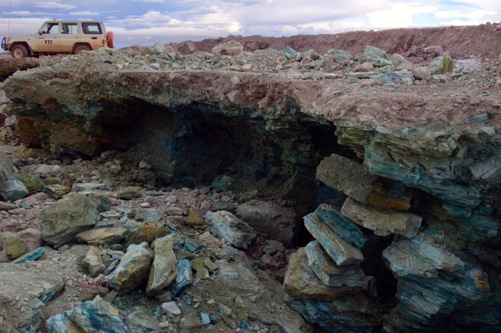 (Mar 2015) A never-ending pit of malachite, mostly dug out by artisanal miners.